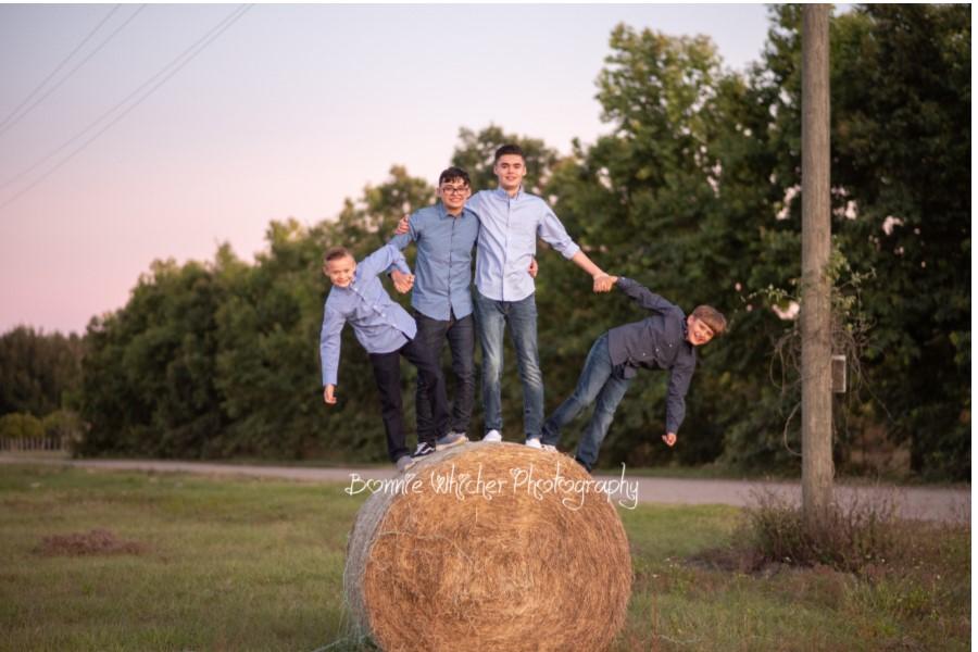 w bw boys hay